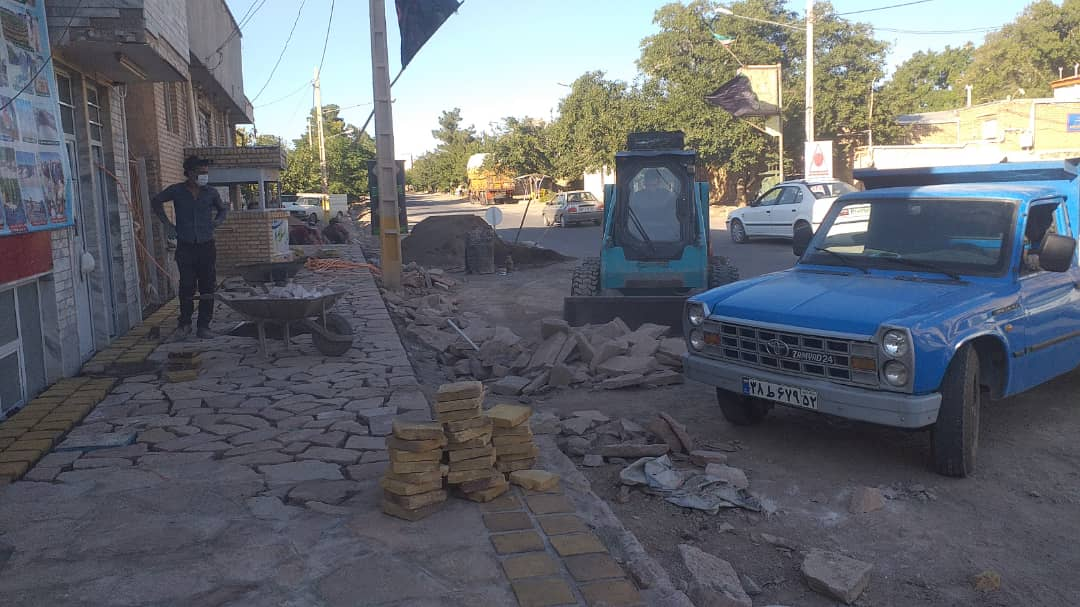 اجرای عملیات پیاده رو سازی خیابان ولیعصر(عج)