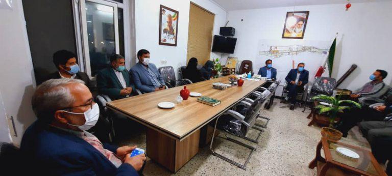 برگزاری جلسه مشورتی با حضور شورای اسلامی،  معتمدین  شهر و شهردار