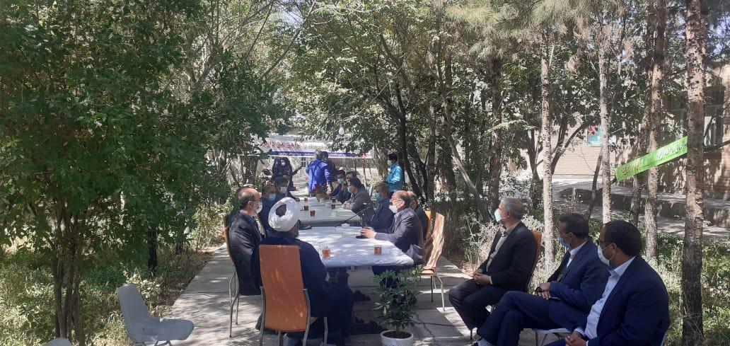شرکت شهردار (مهندس قلی زاده) و رئیس شورای شهر(مهندس فروتن) به همراه مسئولین شهرستان در مراسم گرامیداشت هفته سالمند در محل سالمندان شهر باغستان